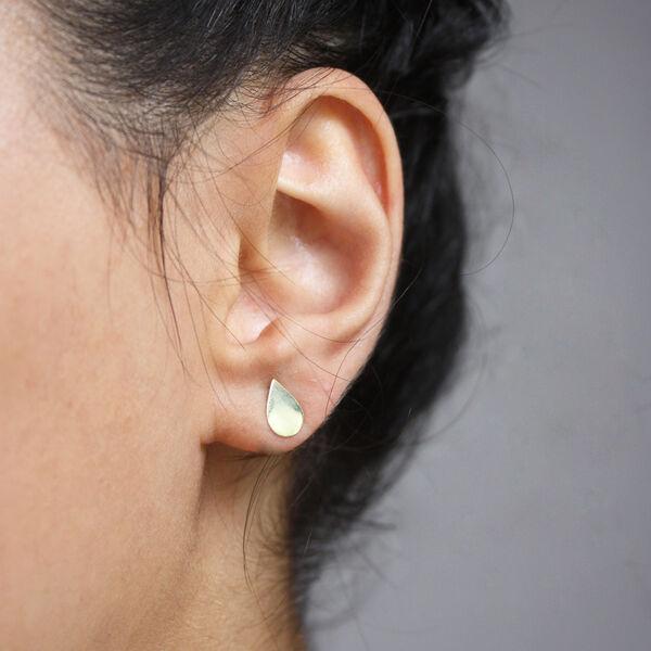 - DROP STUDS EARRING (1)