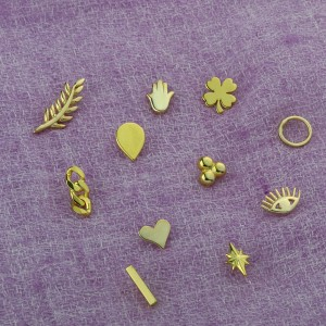 PITTER PATTER HEART EARRINGS - Thumbnail (2)
